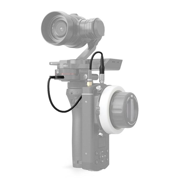 Câble adaptateur Focus pour DJI Osmo (2m) branché sur Osmo