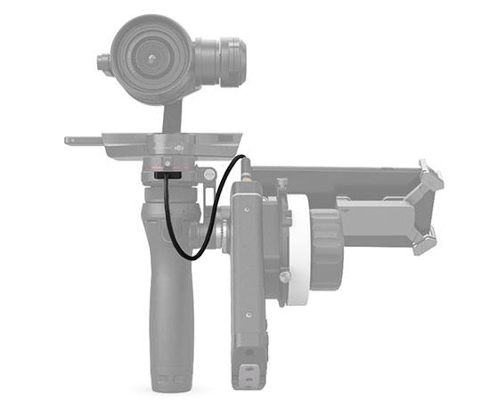 Câble adaptateur reliant le FOCUS au DJI Osmo - vue de côté