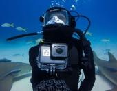 Plongeur utilisant le caisson étanche GoPro Hero5 Black
