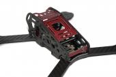 Châssis Armattan Armadillo rouge vue de trois quart arrière