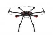 Drone DJI Matrice 600 - vue de face - train déplié