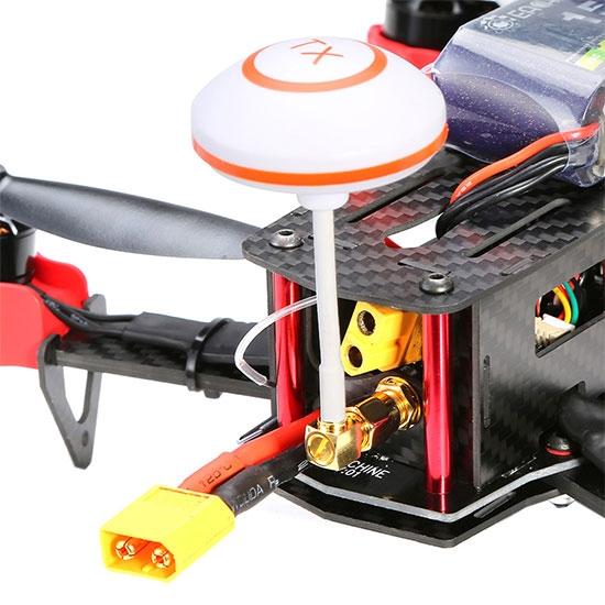 Zoom sur l\'arrière du drone racer Eachine Falcon 250 (RTF)