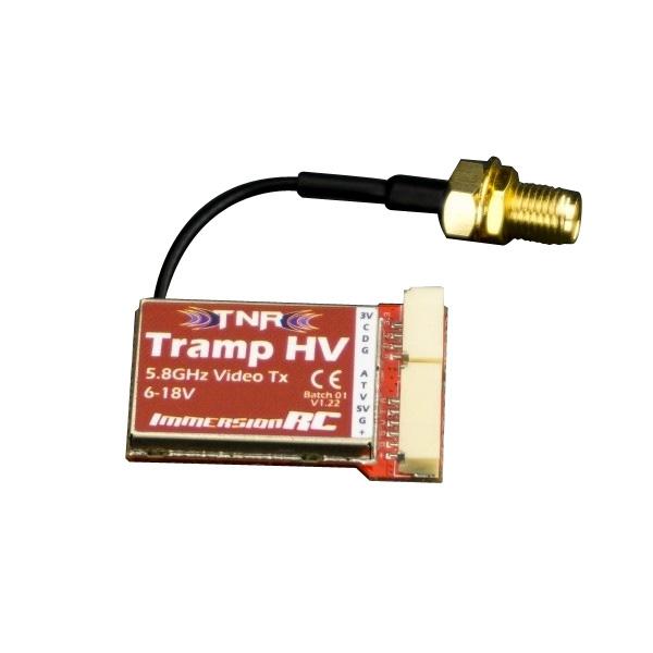 Emetteur 5.8 Ghz TrampHV ImmersionRC avec son connecteur antenne SMA