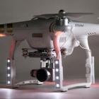 kit led dji phantom3 polar pro installé sur le drone face avant