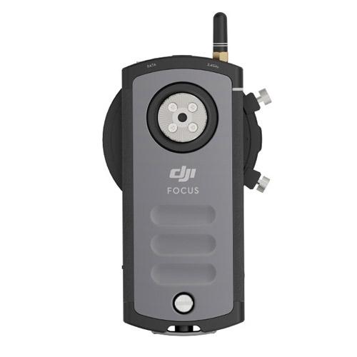 La télécommande du système Follow Focus DJI, vue de derrière avec son système de fixation en rosette.