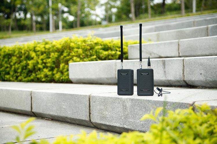 Système sans fil SR-WM4C en utilisation extérieure - Saramonic