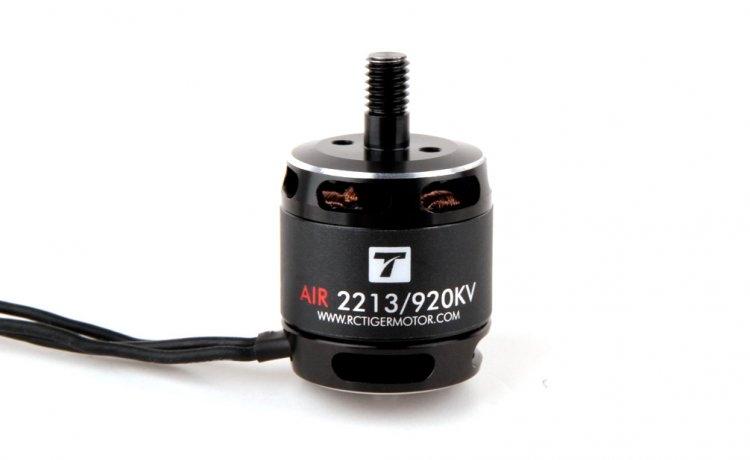 Set de 2 moteurs Brushless T-MOTOR AIR 2213, un horaire et un anti horaire