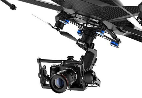 Nacelle Gremsy H3 montée sur un drone et transportant un appareil photo