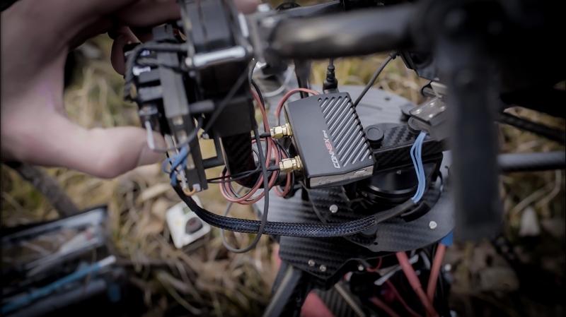 Emetteur Connex Mini Air Unit installé sur multirotor