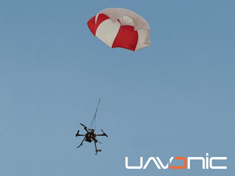 Descente du drone après ouverture du parachute GBS 10/150