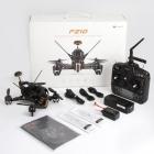 Contenu du produit Walkera F210 RTF: drone, radio DEVO7, chargeur, hélices de remplacement, ensemble de câbles et manuels.