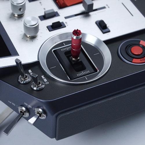 Radio Horus X12S FrSky, détail du joytick et des interrupteurs
