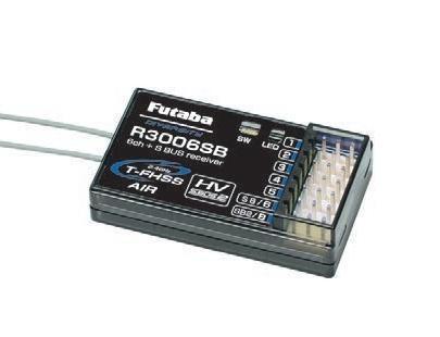 La radiocommande Futaba 6k est livrée avec un récepteur R3006SB qui gère les voies traditionnelles et le S;BUS