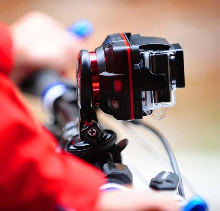 Stabilisateur WenPod X1 pour GoPro monté sur un vélo