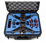 Valise GPC transportant le drone racer Lumenier QAV 250 avec 4 batteries, 1 GoPro, 1 antenne et 1 caméra mobius