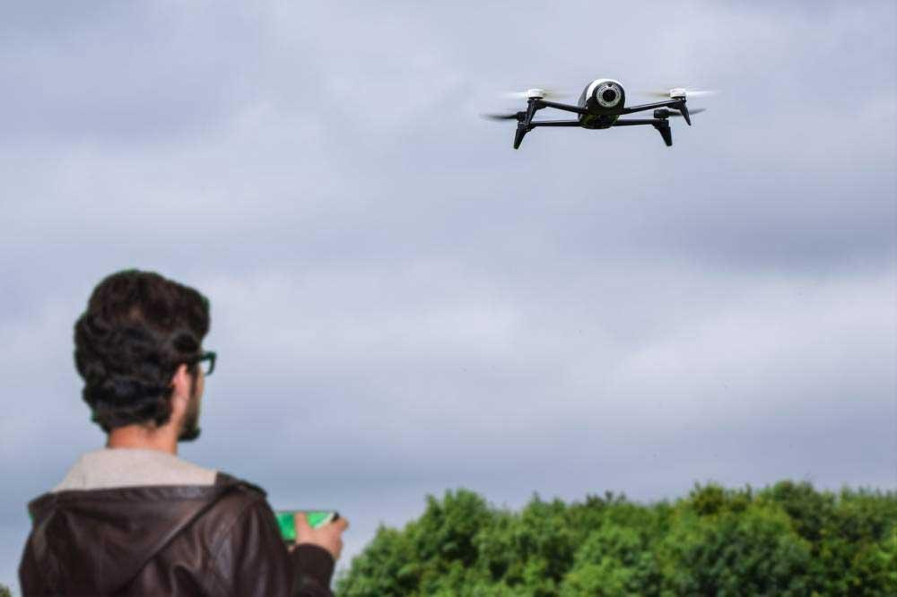 Est-ce facile de piloter un drone ?