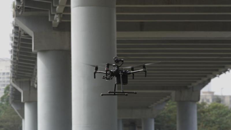 Drone DJI Matrice 210 en vol