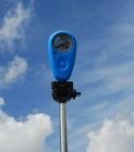 """Le WeatherMeter se fixe partout grâce à son pas de vis 1/4\"""" (perche, trépied, harnais...)"""