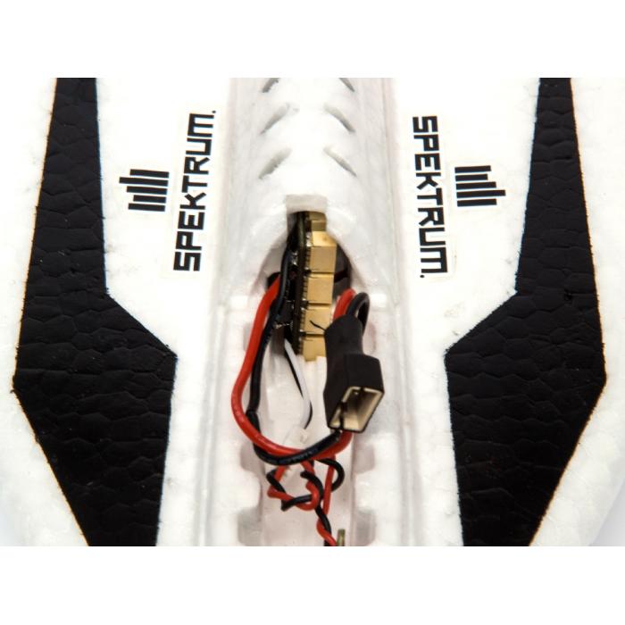 Blade UM F-27 Ultra Micro 432mm détail du contrôleur de vol