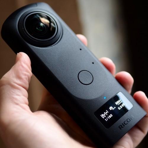 Caméra 360° Ricoh Theta Z1