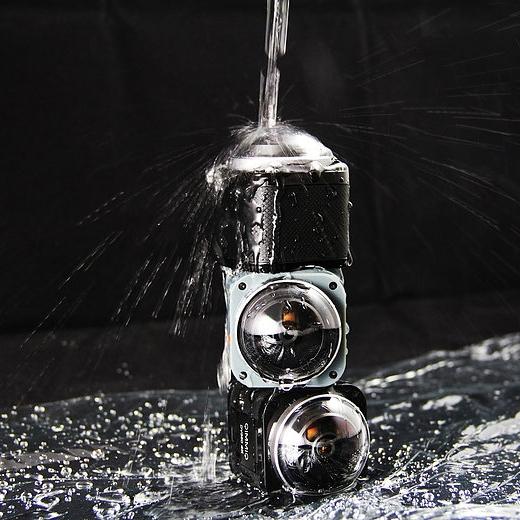 La caméra DV360 Qimmiq est étanche jusqu'à 10 mètres sans caisson