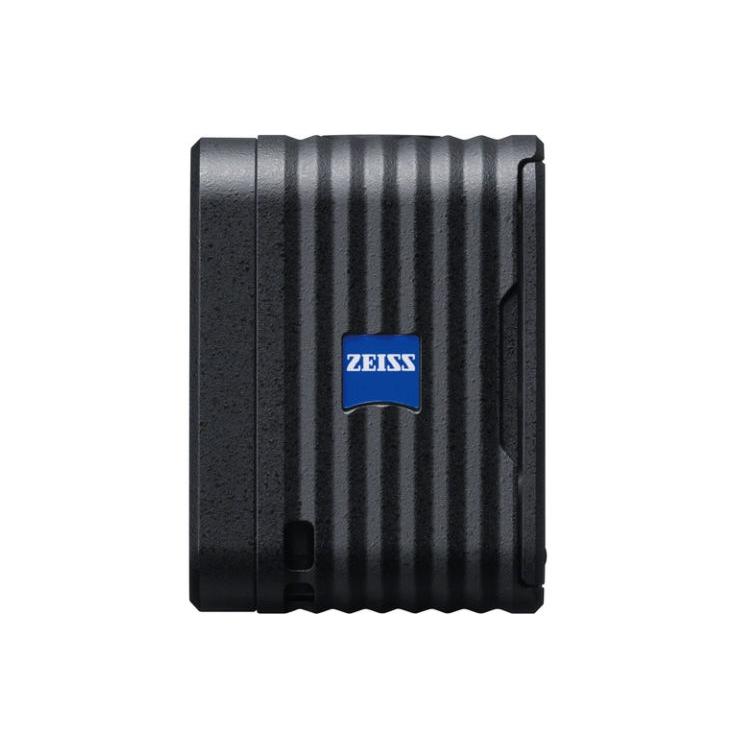 Caméra Sony RX0 de coté avec inscription Zeiss