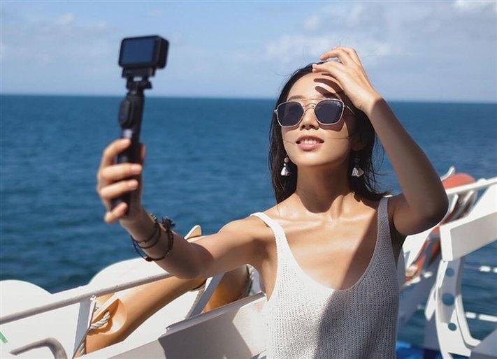 Caméra Xiaomi Mijia Compact 4K en pleine utilisation