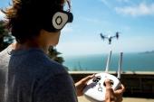 Casque Glyph mis en situation avec un pilote drone
