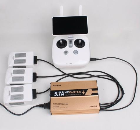 Le Chargeur multiple DJI Phantom 4 Pro & Pro+ permet de charger 3 batteries + 1 radiocommande simultanément