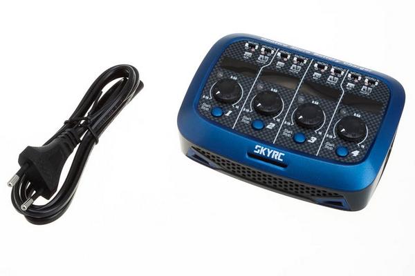 Chargeur Quattro Micro battery AC/DC vue avec chargeur