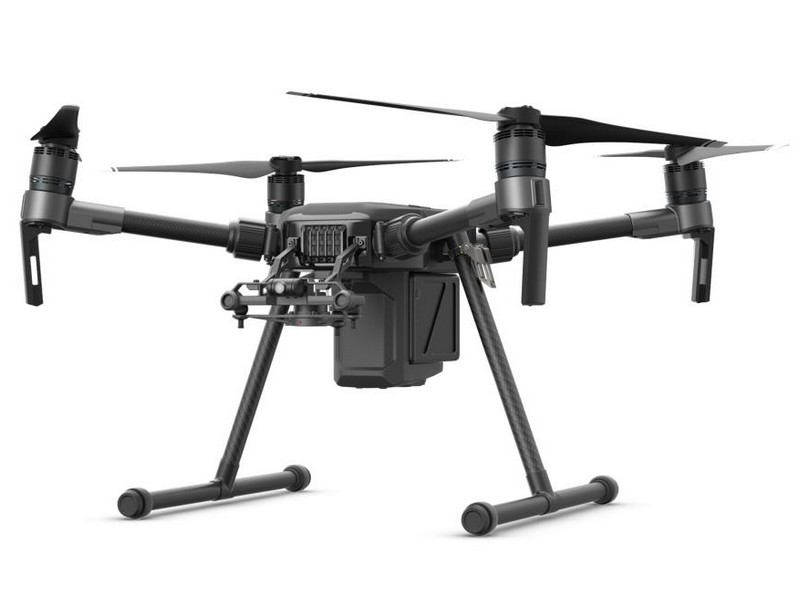 Drone DJI Matrice 200 - vue de biais