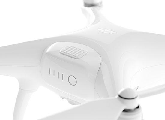 Zoom sur la batterie du drone de remplacement DJI Phantom 4 (sans radio)