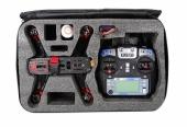 Sacoche de rangement avec radiocommande et drone racer Eachine Falcon 250 (RTF) rangés dedans