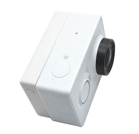 Ecran LCD BacPac pluggé sur la caméra embarquée Xiaomi Yi Cam vu du dessus et caméra de face