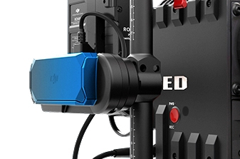 Émetteur vidéo SRW-60G connecté sur une caméra RED