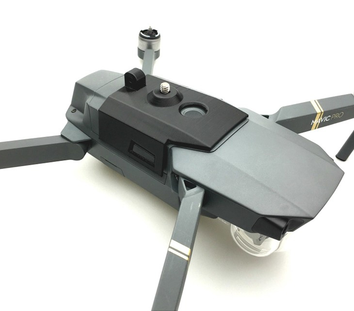 Fixation caméra 360 installée sur le DJI Mavic Pro en position basse