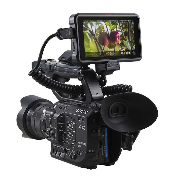 Moniteur Atomos Ninja V sur caméra professionnelle