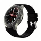 Le cadran de la montre connectée DM368 est en acier inoxydable tandis que le bracelet est en silicone
