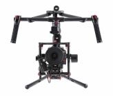 Nacelle main stabilisateur DJI Ronin-MX avec caméra professionnelle montée dessus - vue de face