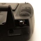 Cette radiocommande propose de nombreux interrupteurs dont un pour armer les moteurs.