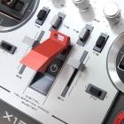 Radio Horus X12S FrSky, le bouton principal de mise sous tension du système et son dispositif de protection