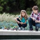 2 robots SPRK+ Sphero en train d'être pilotés par des enfants
