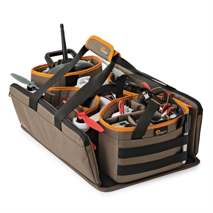Équipé d\'une poignée robuste, vous pourrez transporter sans difficulté tout votre équipement.