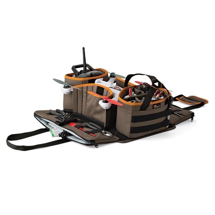 Le drone Blade 350 est parfaitement rangé dans ce sac de terrain. Il est idéal pour tout transporter et vous évitera également de perdre vos outils.