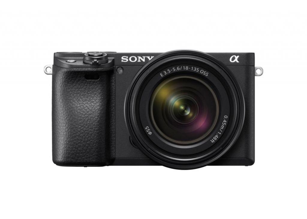 Sony Alpha 6400 + objectif 18-135 mm + batterie offerte