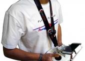 Tour de cou studioSPORT porté par un pilote FPV