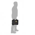 Valise HPRC pour DJI Spark transporté par un homme