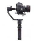Zhiyun Crane 2 avec appareil photo reflex - vue de côté